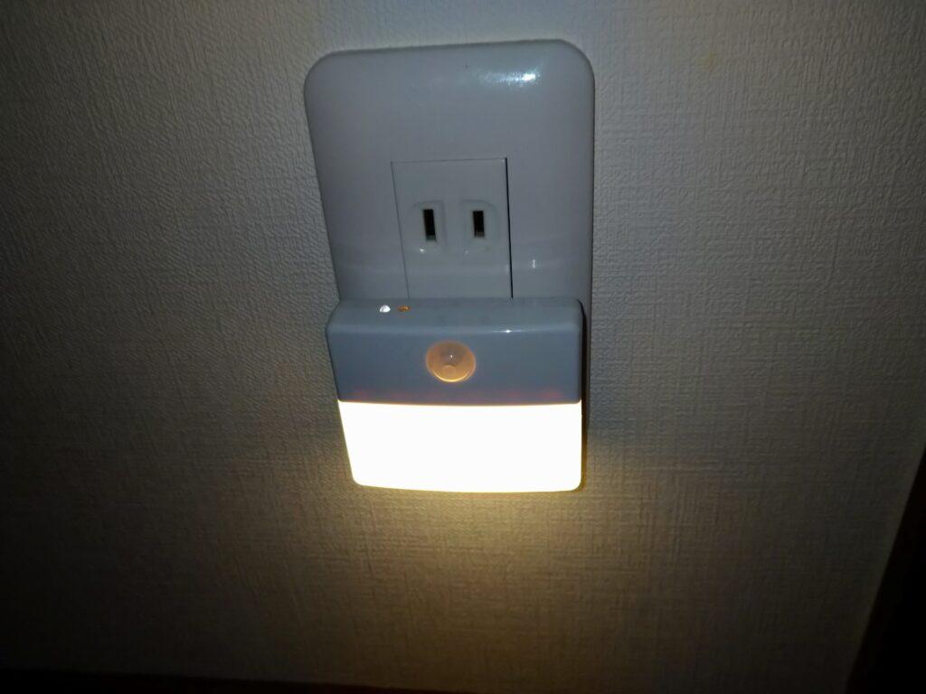 廊下のセンサーライト
